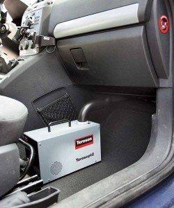 На фото - чистка кондиционера авто ультразвуком, autocentre.ua