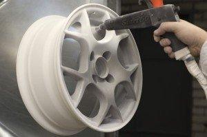На фото - реставрация дисков авто порошковой краской, autocomplex.dn.ua