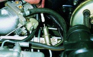 Фото неполадки регулятора давления топлива ВАЗ 2114, vaz-autos.ru