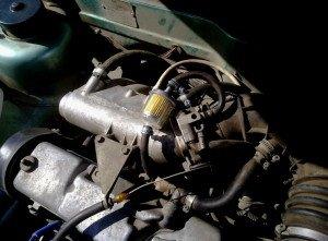 На фото - система вентиляции картерных газов, drive2.ru