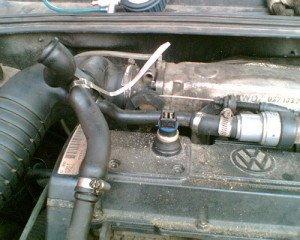 Фото клапана корректировки давления картерных газов, vwts.ru