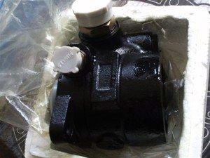 На фото - топливный насос низкого давления, moy-market.com