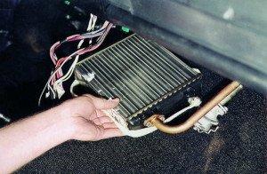 Фото демонтажа радиатора печки ВАЗ 2115, repair-avto.ru