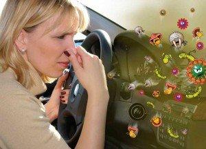 На фото - запах из кондиционера автомобиля, uadrivers.com