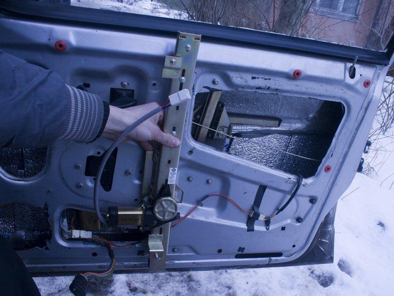 Фото №21 - как установить реечные стеклоподъемники на ВАЗ 2110