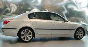 На фото - молдинги для декора автомобиля, mirsmazok.ru