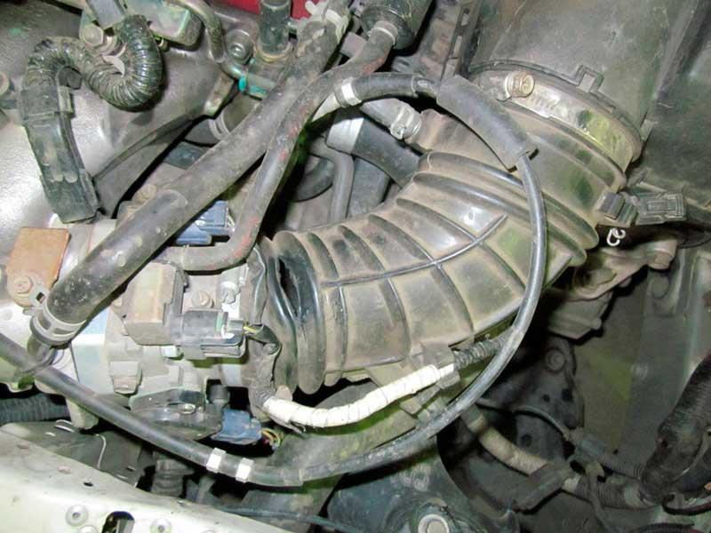 от какого автомобиля подходит гофрированный патрубок на audi 80 к воздушному фильтру от двигателя