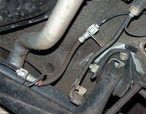 Фото резиновых шлангов тормозной системы авто, newsavtom.ru