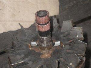 На фото - замена токосъемных колец генератора авто, forum.my2110.ru