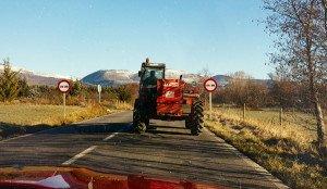 "На фото - обгон трактора после знака ""Обгон запрещен"", victorborisov.livejournal.com"