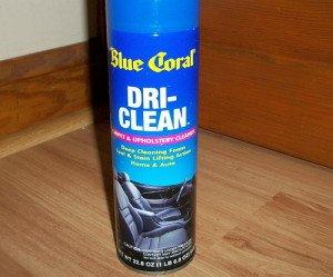 На фото - очиститель Blue Coral Dri-Clean, shop.advanceautoparts.com