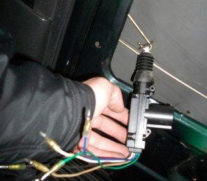 Фото неработающего центрального замка автомобиля, mhzserge.ru
