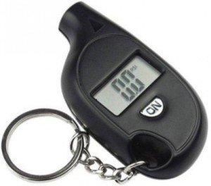 Фото брелка-измерителя давления в шинах, kwicme.com