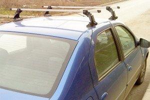 На фото - крепление внешнего багажника на Рено Логан, ufa-bagazhniki.ru