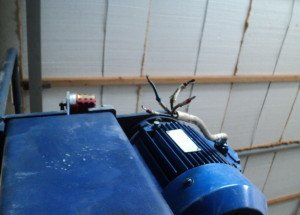 Фото подключения электрических кабелей автоподъемника, forums.drom.ru