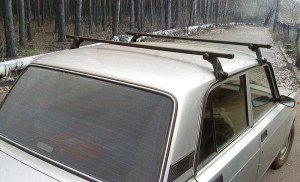 На фото - монтаж багажника на крышу ВАЗ 2107, ufa-bagazhniki.ru