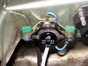 На фото - подключение трехуровневого регулятора напряжения генератора ВАЗ 2109, zufa66.narod.ru
