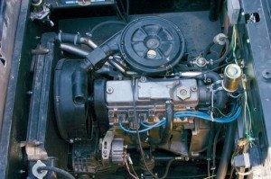 На фото - двигатель ВАЗ 21083, autoreview.ru