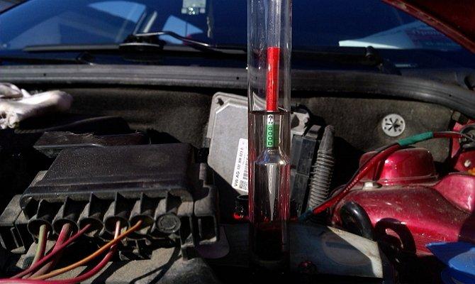 Определение плотности электролита автомобильного аккумулятора