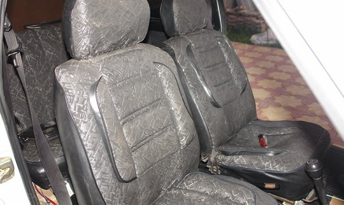 Фото потертых чехлов сидений автомобиля