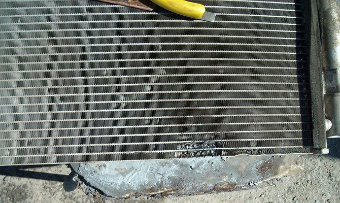 Появление течи в основном радиаторе