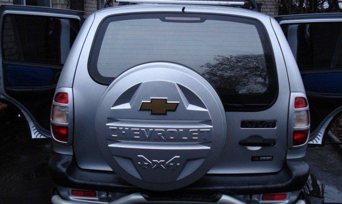 Крышка багажника Шевроле Нива