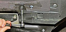 Замена топливного фильтра Нива Шевроле. Шаг 1