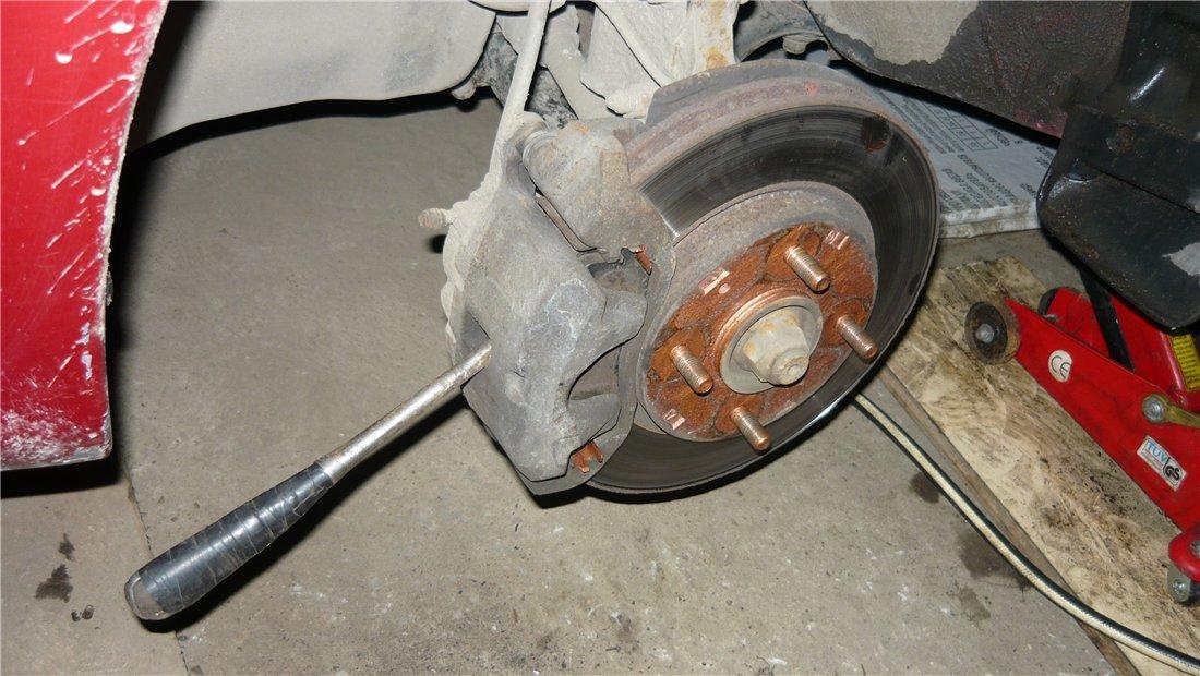 Как поменять задние колодки на форд фокус 1 барабанные видео