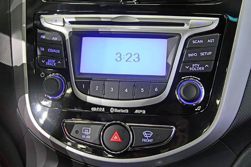 Штатное головное устройство Hyundai Solaris