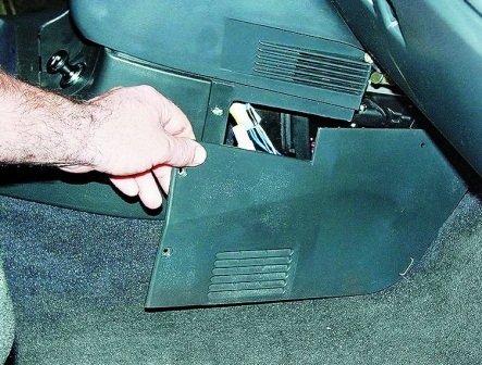 Проверка реле и предохранителя топливного насоса ВАЗ 2110/2112
