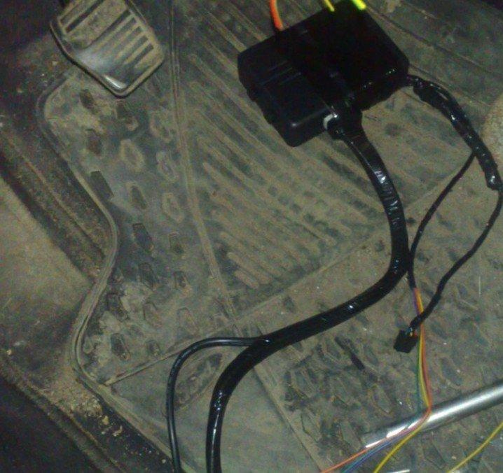 Изолированные провода блока зажигания