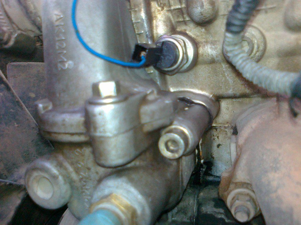 Расположение датчика давления масла в автомобиле УАЗ