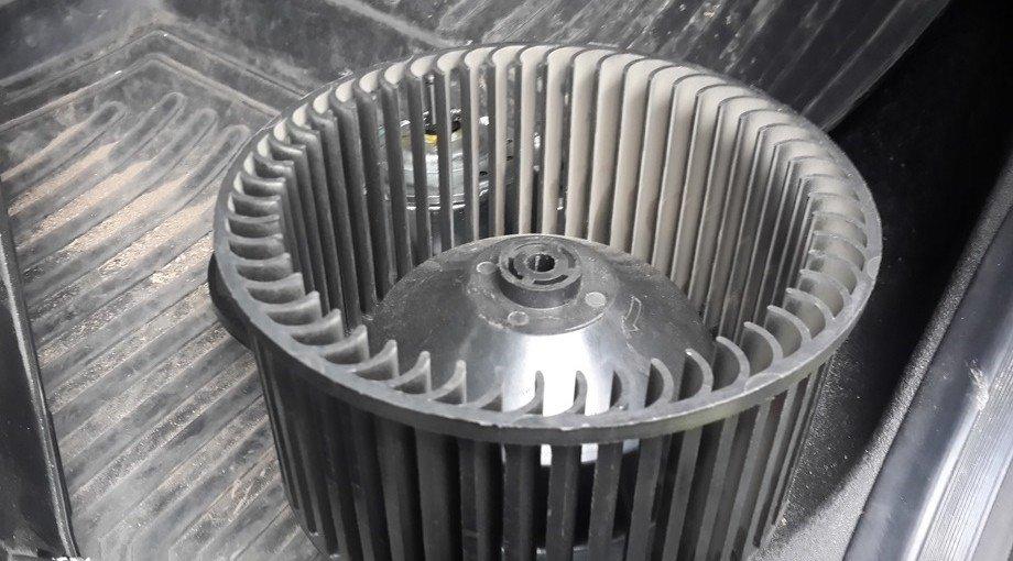 Крыльчатка вентилятора «Шевроле Нивы»