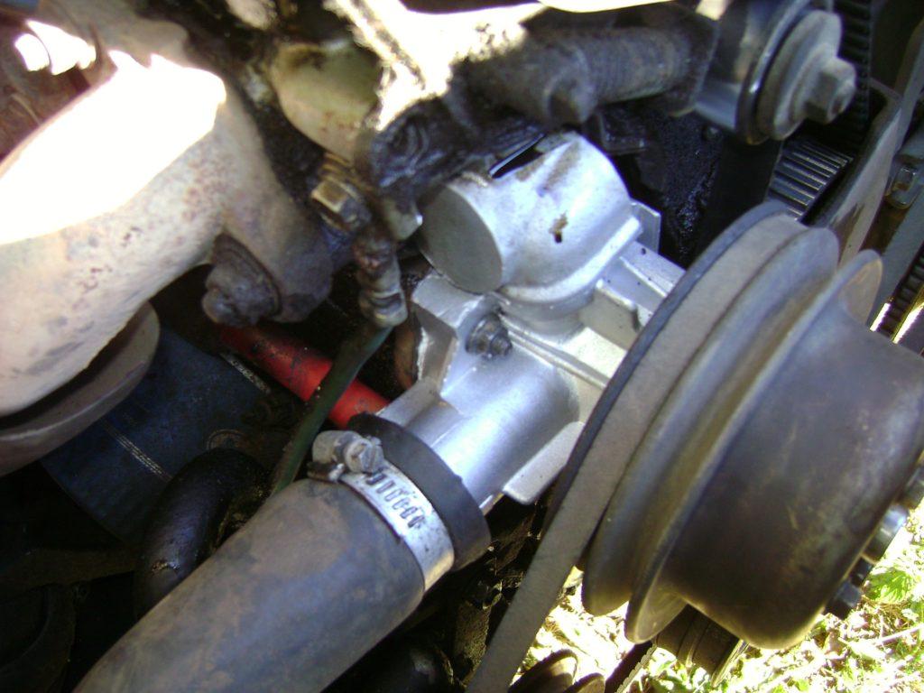 Подводящие шланги помпы на Opel Astra H