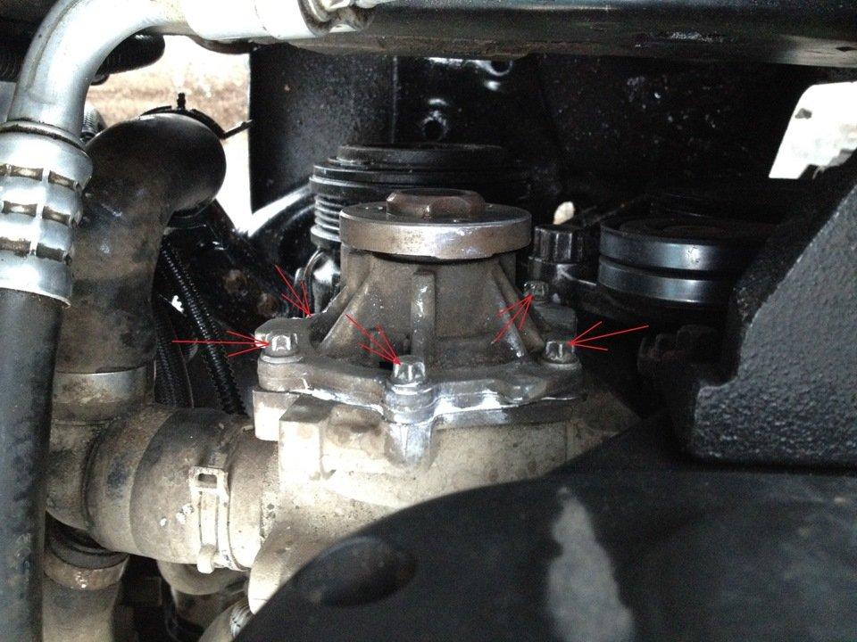 Водяной насос Opel Astra H