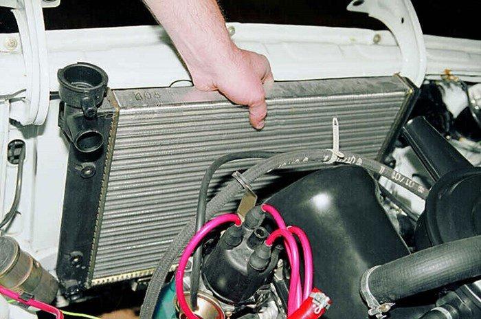 Накипь в радиаторе может стать причиной выхода из строя печки