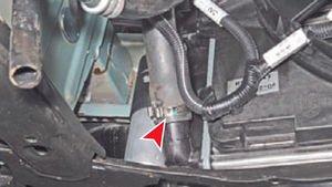 Нижний патрубок радиатора