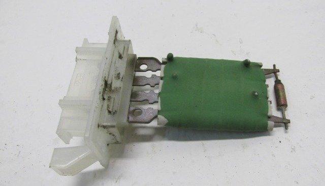 rezistor ventilyatora otopitelya - Устройство печки рено логан