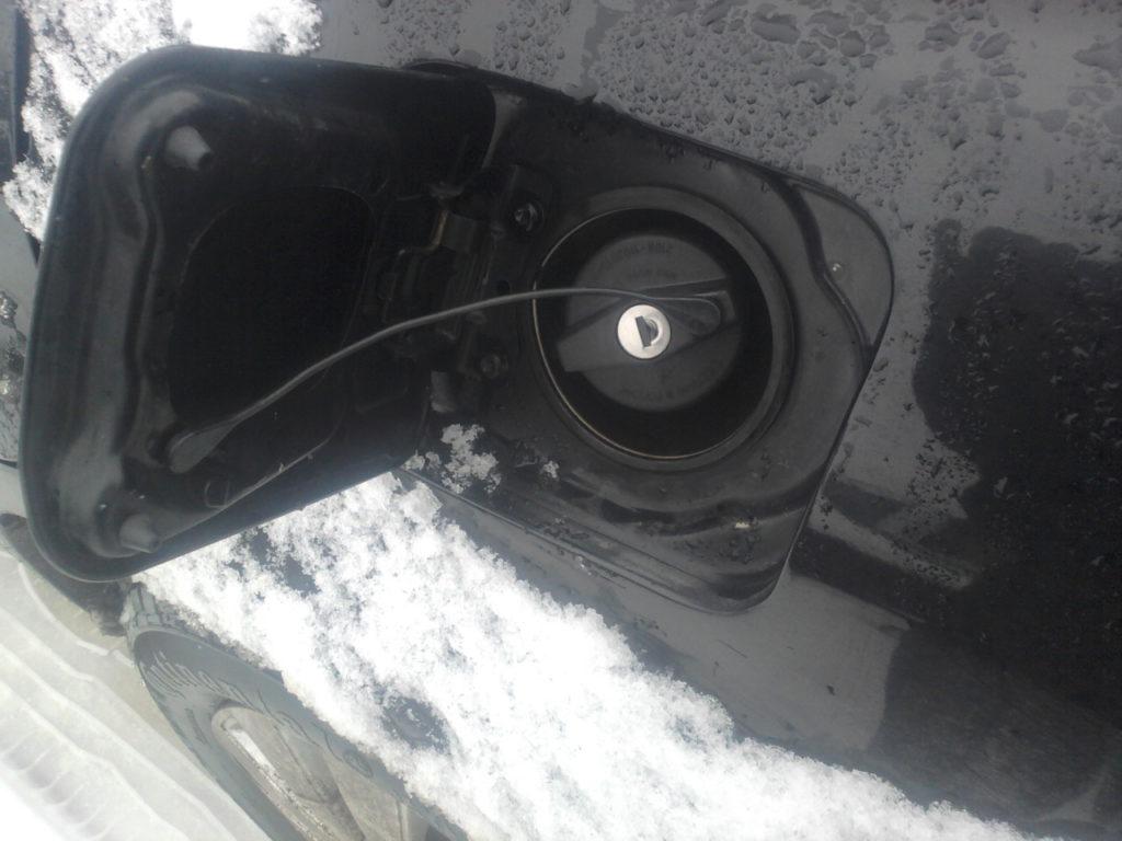 Замерзание крышки бензобака