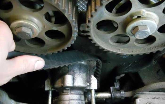 Как снять ремень ГРМ на «Дэу Нексии» с 16-клапанным мотором