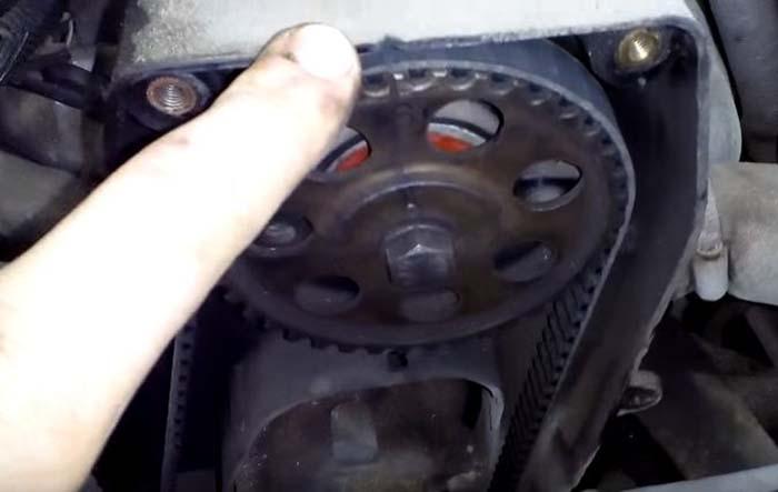Как выставить метки ГРМ на автомобиле «Дэу Нексия»