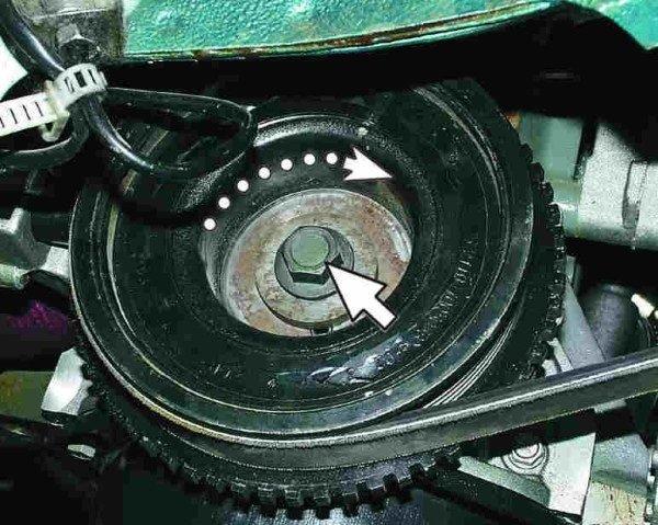 Демонтаж шкива привода генератора
