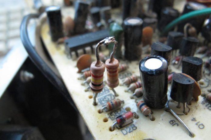 Два резистора