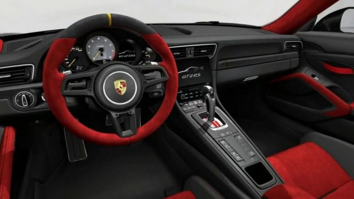 Салон нового Porsche 911