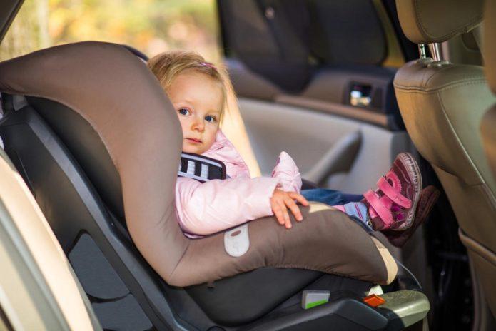 Девочка в машине