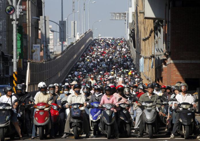 Японские мотоциклисты