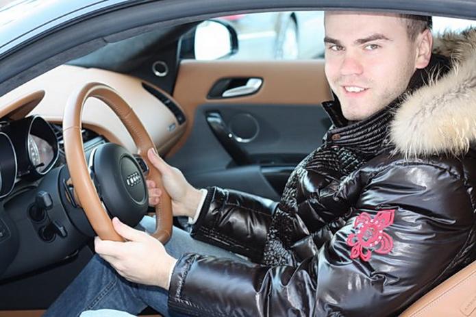 Машина Игоря Акинфеева