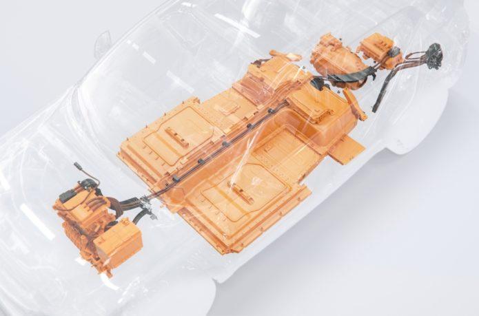 электрический Вольво ХС40