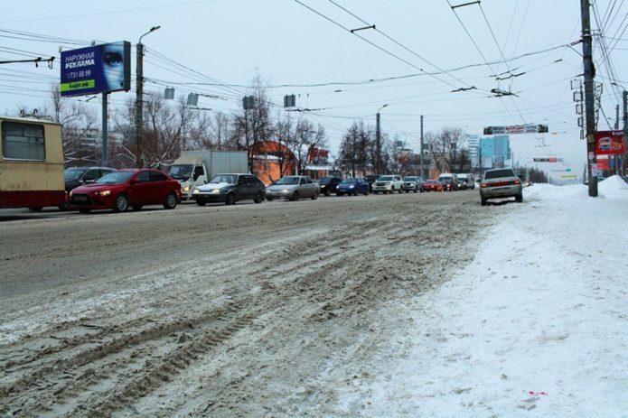 снег на дороге