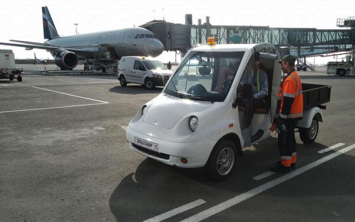 электрокар в аэропорту Крыма